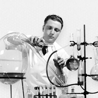 científico buscando la fórmula del éxito