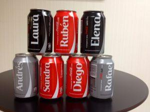 Coca Cola con nombres en la lata